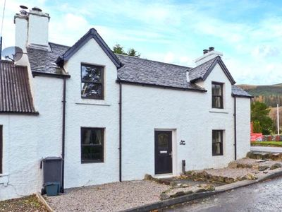 Photo for Alma Cottage, TYNDRUM
