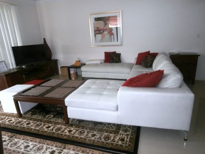 Photo for Single Storey Luxury Home Great Quiet Location 1.3 kms walk to Jetty Rd Shopping