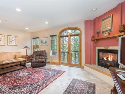Flexible Cancellations - Private Pet-Friendly 3-Bedroom Mountain Village Escape With Pool, Hot Tubs