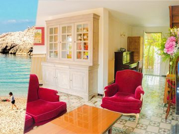 Search 369 holiday rentals