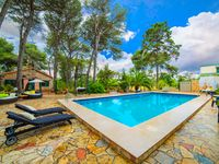 Charming villa on outskirts of Lecce with beautiful pool area.