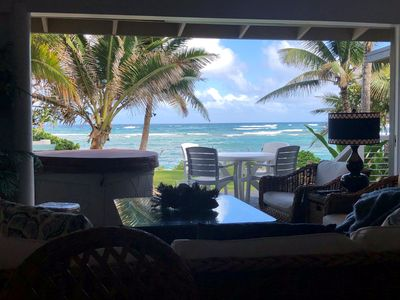 Spectacular views of the ocean over the inner beach from the living room
