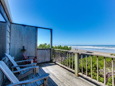 Photo for Dog-friendly, ocean-front home w/path down to the beach! Free WiFi & cable!