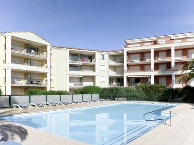 Photo for Sainte-Maxime Apartment, Sleeps 4 with Pool, Air Con and WiFi