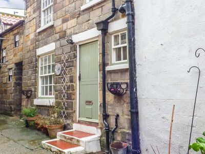 Photo for BULMERS COTTAGE, pet friendly, with open fire in Staithes, Ref 926017