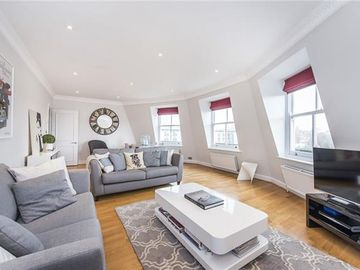 Luxury and Spacious 2 Bedroom Apartment next to Science Museum and Hyde Park