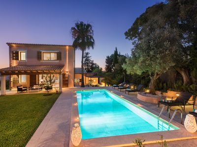 Photo for Villa Elvissa is a chic five bedroom family villa in the quiet neighbourhood of Bonaire near Alcudia