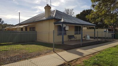 Photo for Echuca Holiday Houses - Temoca Cottage