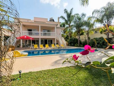 Photo for Villa Monte Do Alvor is a great 5 bedroom villa, fully airconditioned with private pool