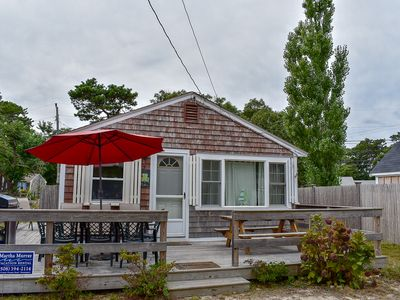Beaten Rd 5- Cute cottage with wrap around deck, .5 miles to sandy beach
