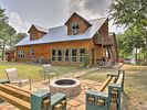 4BR Cabin Vacation Rental in Eustace, Texas