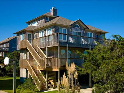 Spacious Family-Friendly Home in Frisco! Oceanview w/ Screened in Hot Tub, WiFi