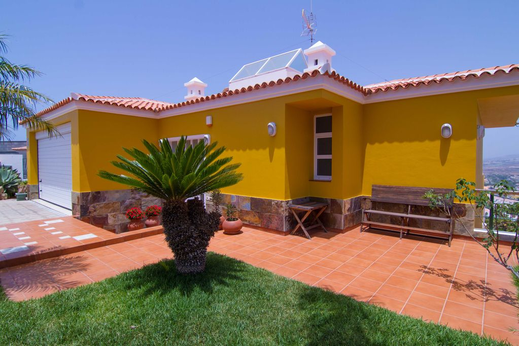 Impressive 3 B Rooms Villa, Jacuzzi with Car included on price  - Adeje