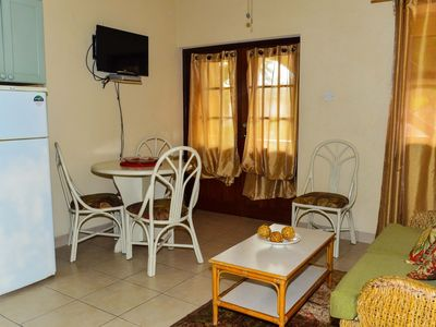 Photo for Air conditioned 2 bed near Dover Beach