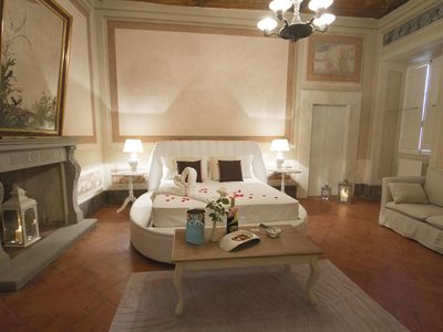 Photo for Cosy room for 2 guests with WIFI, A/C, TV and panoramic view