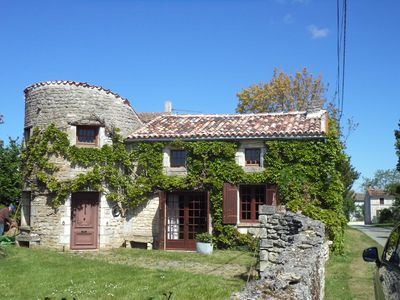 Photo for Character traditional Charentais cottage in rural location 20 minutes from sea