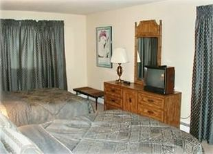 Master Bedroom with 2 Queen Beds