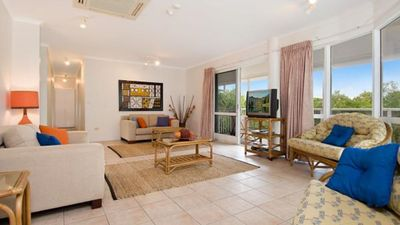 Photo for Palm Cove Family Accommodation