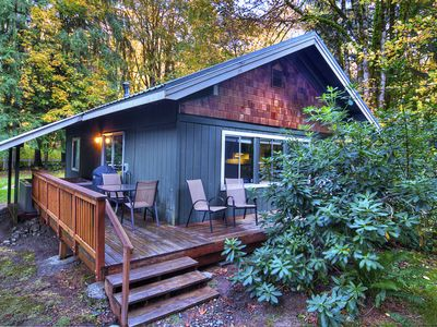 Photo for Cute Pet-Friendly Mountain Bungalow w Hot Tub, Huge Yard, WiFi, Close to River & 20 Min to Stevens!