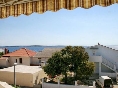 Photo for One bedroom apartment with terrace and sea view Mandre, Pag (A-3084-b)
