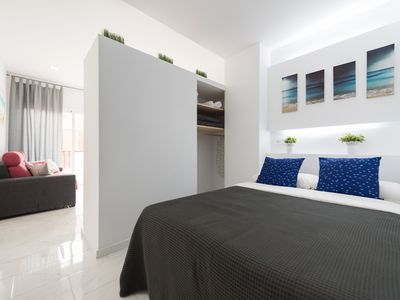 Photo for Beautiful studio with balcony and side sea view