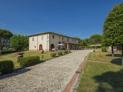 Photo for 2 bedroom Apartment, sleeps 5 in Panzano with Pool and WiFi