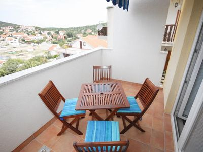 Photo for One bedroom apartment with terrace and sea view Tisno, Murter (A-3209-c)