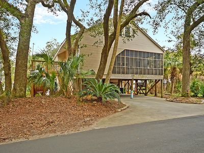 Photo for Folly Beach studio-Left of center. 2 blocks to downtown- 6 minute walk to beach