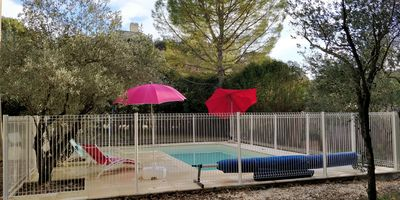 Photo for VILLA 150 M2 air conditioned swimming pool closed ground 2000 M2 near VAISON