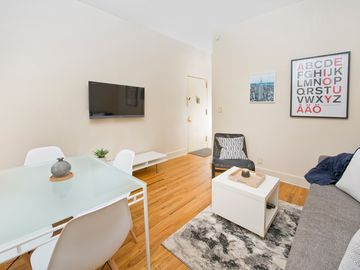Great Spacious 4 Br/2 Bath Next To Central Park