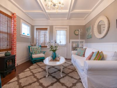 Photo for Cozy seashell inspired cottage minutes to downtown, shopping & dining