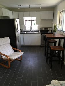 Hillcrest 1-bedroom On Quiet Canyon