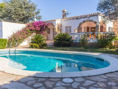 Photo for Villa with private pool for 6 people in L'Escala - Costa Brava