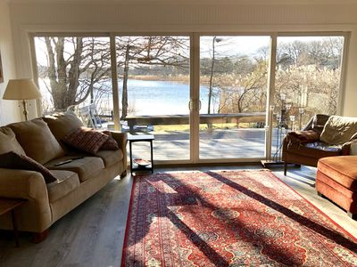 Lakefront Cottage, Walk to Beach, Beautiful Sunsets, Open Plan, Central AC