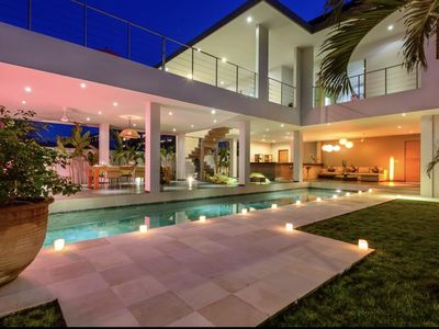 Photo for Beautiful modern villa in the heart of Seminyak .