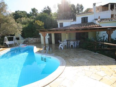 Photo for Holiday house with air conditioning, BBQ and outdoor pool