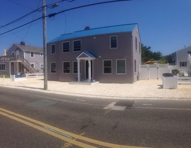 Front of 9405 Beach Ave