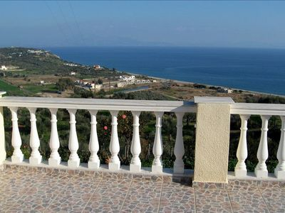 Photo for Spacious House with Spectacular Views of the Sea!