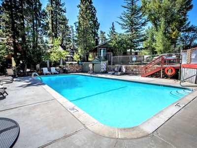 Photo for Country house 542 m from the center of Big Bear Lake with Parking, Internet, Washing machine, Pool (983667)
