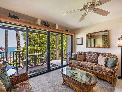 Photo for DIRECT OCEANFRONT, Corner 2nd Floor Unit, Kona Isle D21
