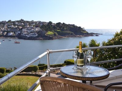 Photo for 1 bedroom accommodation in Fowey