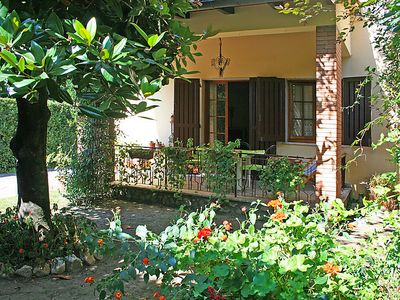 Photo for 2 bedroom Villa, sleeps 4 in Forte dei Marmi with Air Con and WiFi