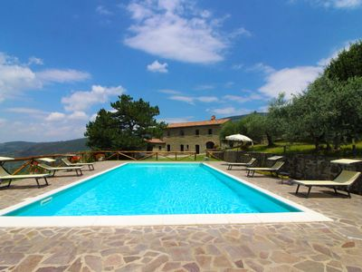 Photo for Stone villa with swimming pool for 10 people with beautiful panoramic view of the entire Valdichiana