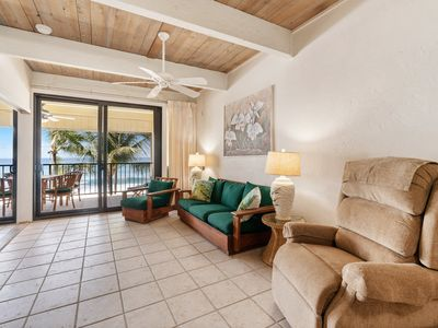 Photo for Spectacular oceanfront view w/WiFi, private lanai, shared pool, BBQ, hot tub- perfect for families