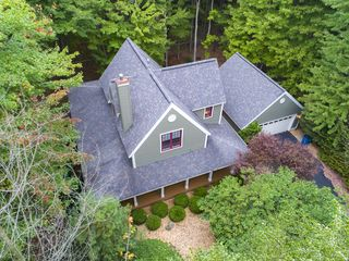 Upscale Home Nestled In The Woods Close To Vrbo