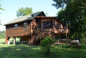 Photo for 2BR Cabin Vacation Rental in Ash Flat, Arkansas