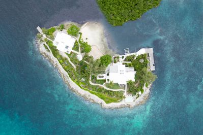 Middle Cay - A private island rented to just one group exclusively at a time!