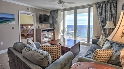 Photo for ** Beautifully Upgraded Unit** Don't miss your perfect December Getaway