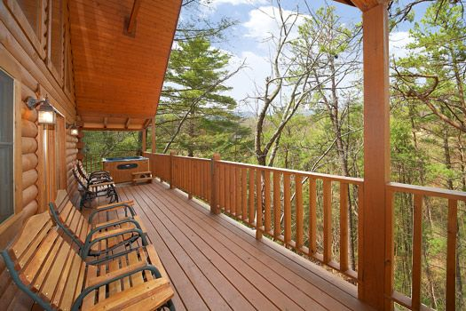 Very Private, Hot Tub on Deck Overlooks Amazing Mountain Views!! Free Access to Pool & Amenities!!