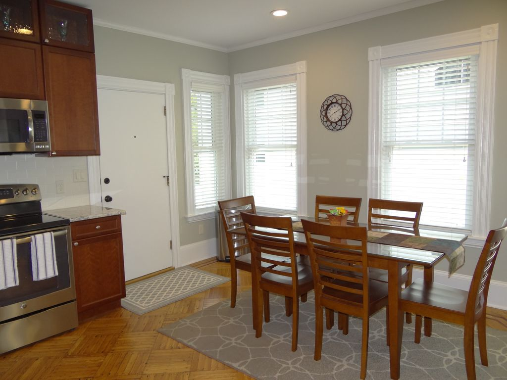 Property Image#3 Family Friendly, Remodeled New Apartment..walk To Harbor,